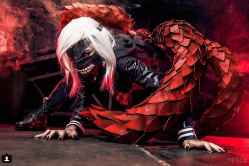 24 Tokyo Ghoul Cosplays to Check Out As We Wait for Season 3 three anime ken kaneki emxzora instagram gore cosplayer