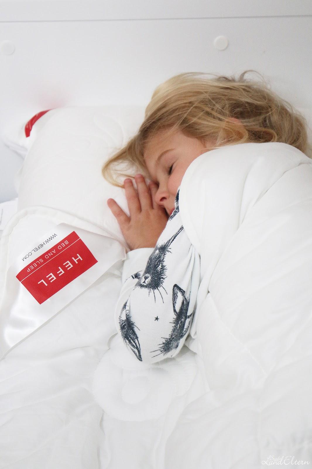 welche bettdecke fr kleinkind cool alpenschlaf kinder zudecke x cm aus zirbe schafwolle. Black Bedroom Furniture Sets. Home Design Ideas