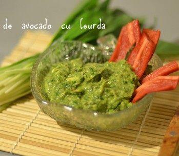 crema de avocado cu leurda