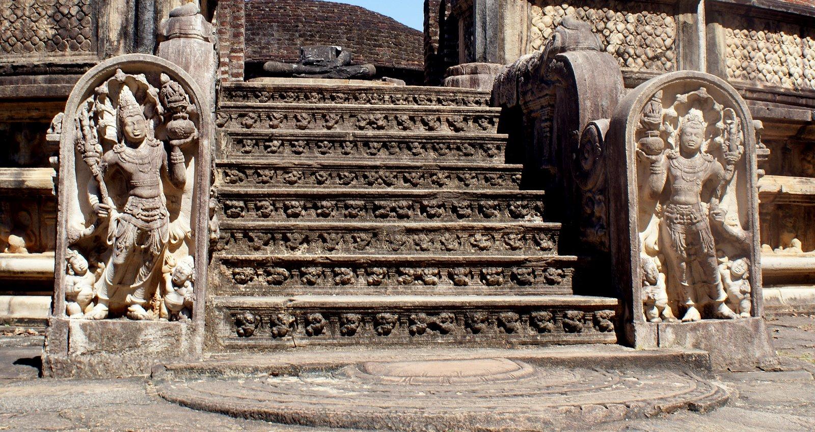 Discover srilanka stone carvings