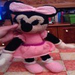 http://www.patronesamigurumi.org/patrones-gratuitos/personajes/minnie-mouse-1/