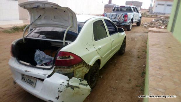 Mais dois veículos roubados são encontrados em Santa Cruz do Capibaribe