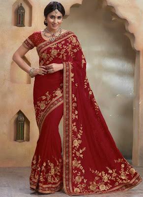 Shriya Saran has good taste in fashion. Just look at above saree.
