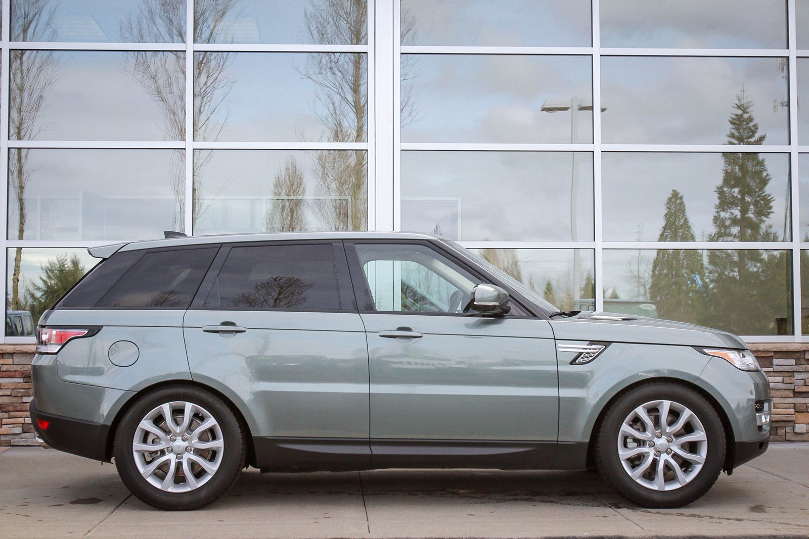 RANGE ROVER SPORT COLOR SCOTIA GREY 2018