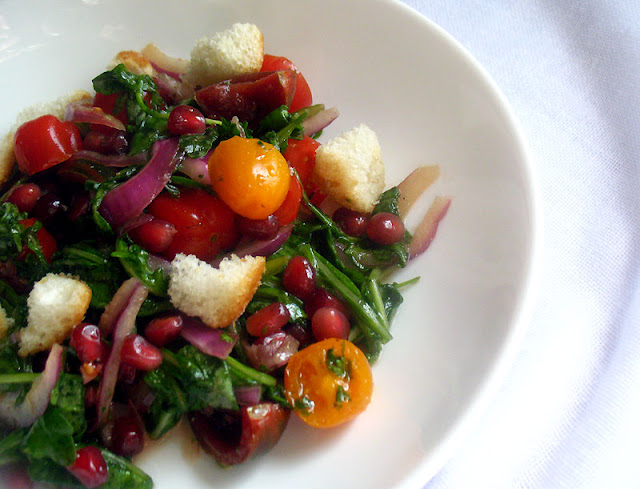Baby Arugula Tomato Salad with Pomegranate Seeds