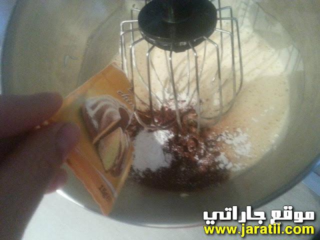 كيكة برقائق الشكلاط ساهلة ومذاق رائع من عند الاخت كريمة cake.au.chocolat.jar
