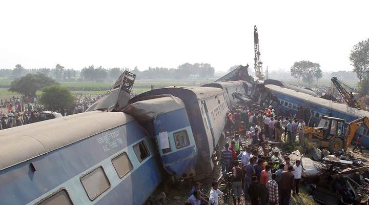 train-derail-accident-kanpur