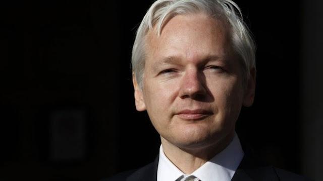Justiça sueca mantém ordem de detenção contra Assange