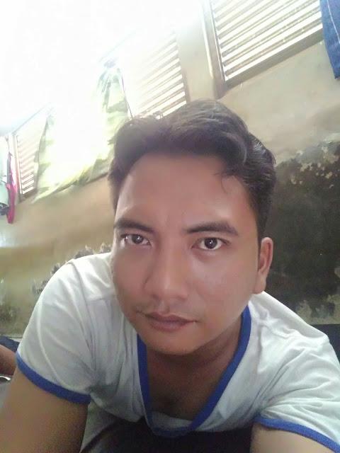 Puji Supriono Seorang Pria Berprofesi Sebagai Driver (Sopir) Di Tangerang Banten Sedang Mencari Wanita Untuk Dijadikan Sebagai Pasangan Seks Suka Sama Suka