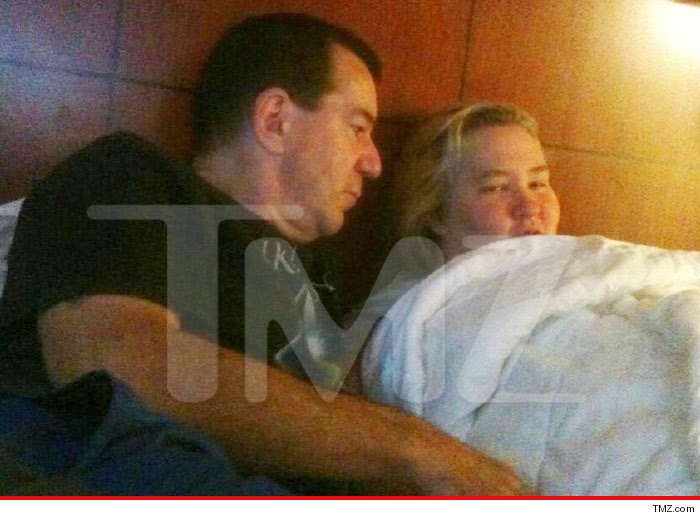 honey boo boo mother dating sex offender Honey boo boo child molestation anna chickadee splash updated — oct 24, 8:12 pm est anna shannon cardwell, the oldest daughter of mama june, has confirmed that she was previously molested by mark mcdaniel, a registered sex offender who anna (nicknamed chickadee) believes to be.