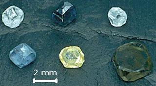 Dúvidas sobre diamantes, moissanite e zircônia