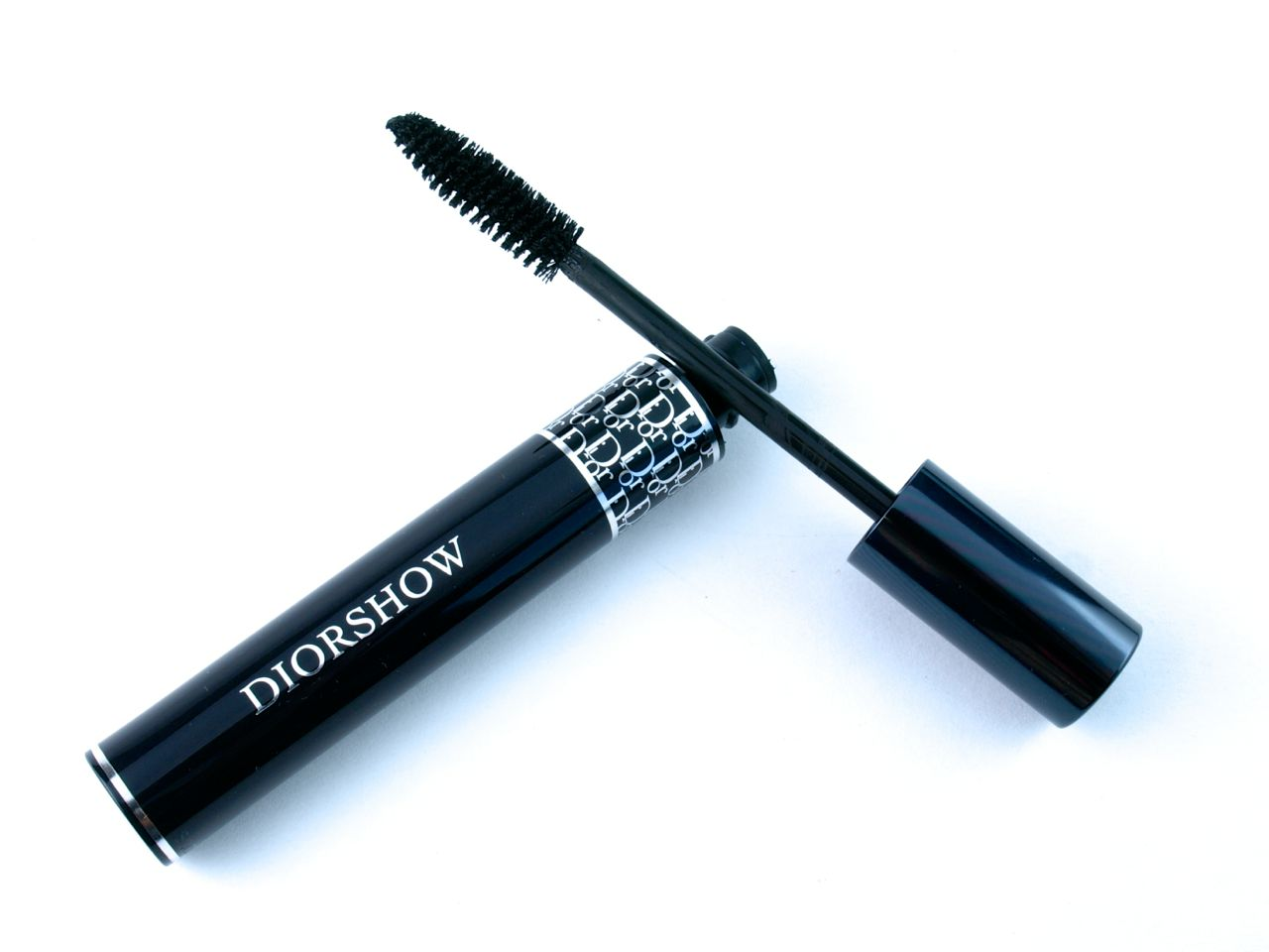 "New 2015 Dior Diorshow Mascara with Lash Extension Effect in ""090 Pro Black"": Review and Swatches"