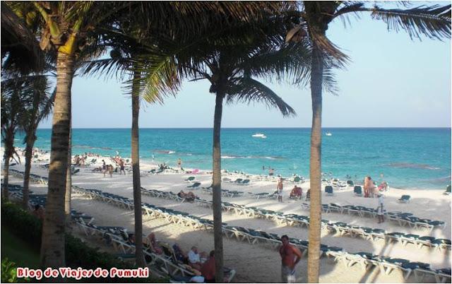 Las playas en la zona de hoteles de Playa del Carmen están preparadas para la afluencia de gran cantidad de turistas. Blog de Viajes a Riviera Maya