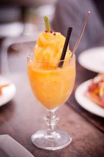Buah mangga memang salah satu buah musiman yang cukup gampang untuk ditemukan terlebih pada Resep Membuat Jus Mangga Untuk Ibu Hamil
