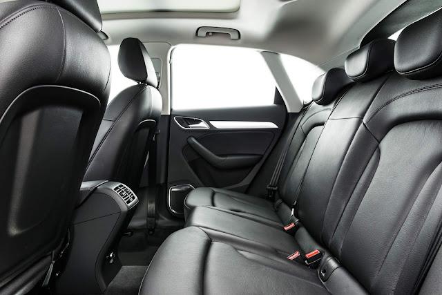 Audi Q3 Flex 2017 - interior - espaço traseiro