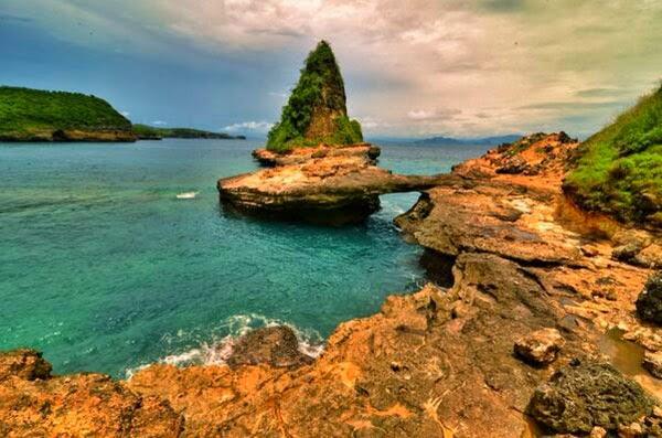 tempat wisata pantai Tanjung Bloam lombok timur