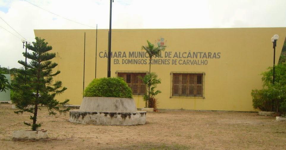 Resultado de imagem para Presidente da câmara de Alcântaras/CE