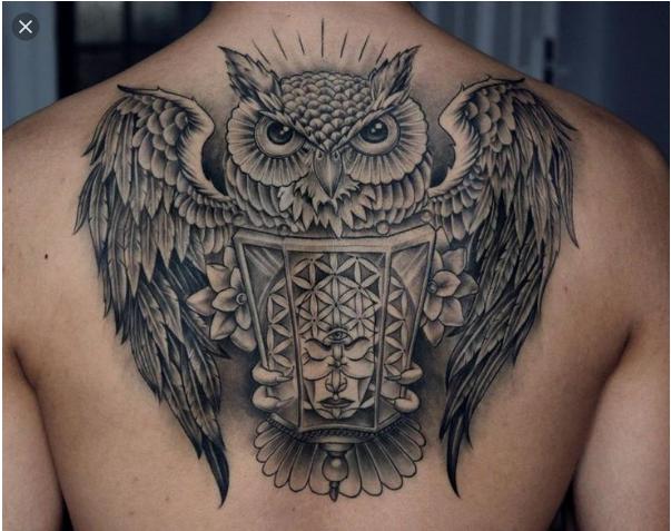 Tato Keren Pria di punggung gambar Burung hantu Terbaru