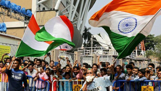 भारत के हाथों मिली छह विकटों की हार से पाकिस्तान में भारी निराशा हुई है.
