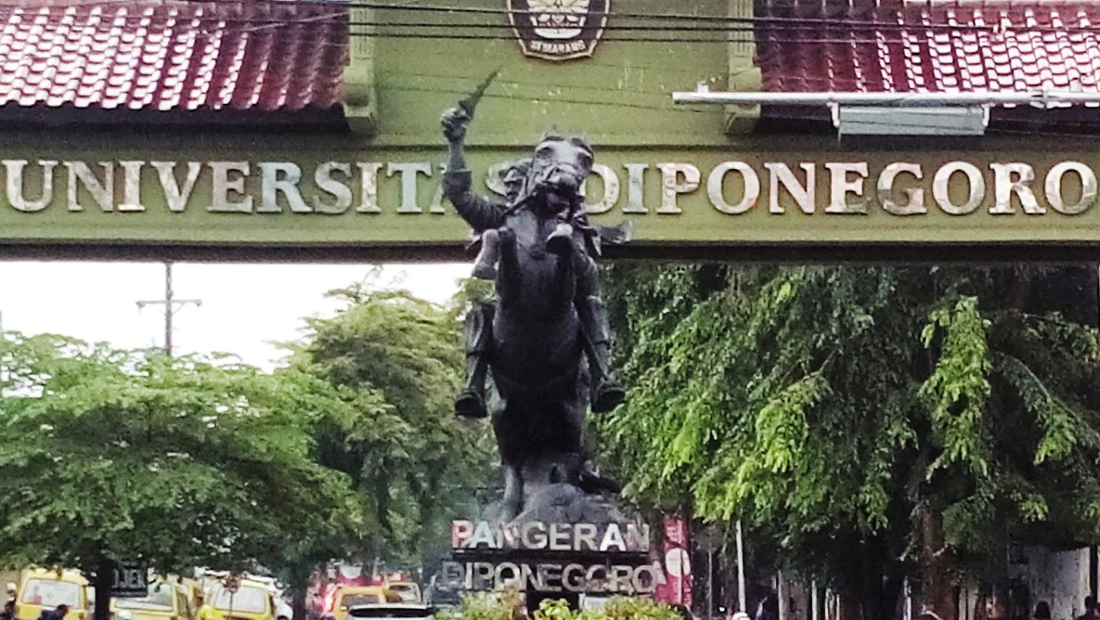 Patung Pangeran Diponegoro Undip di Ngesrep Dicat Hitam