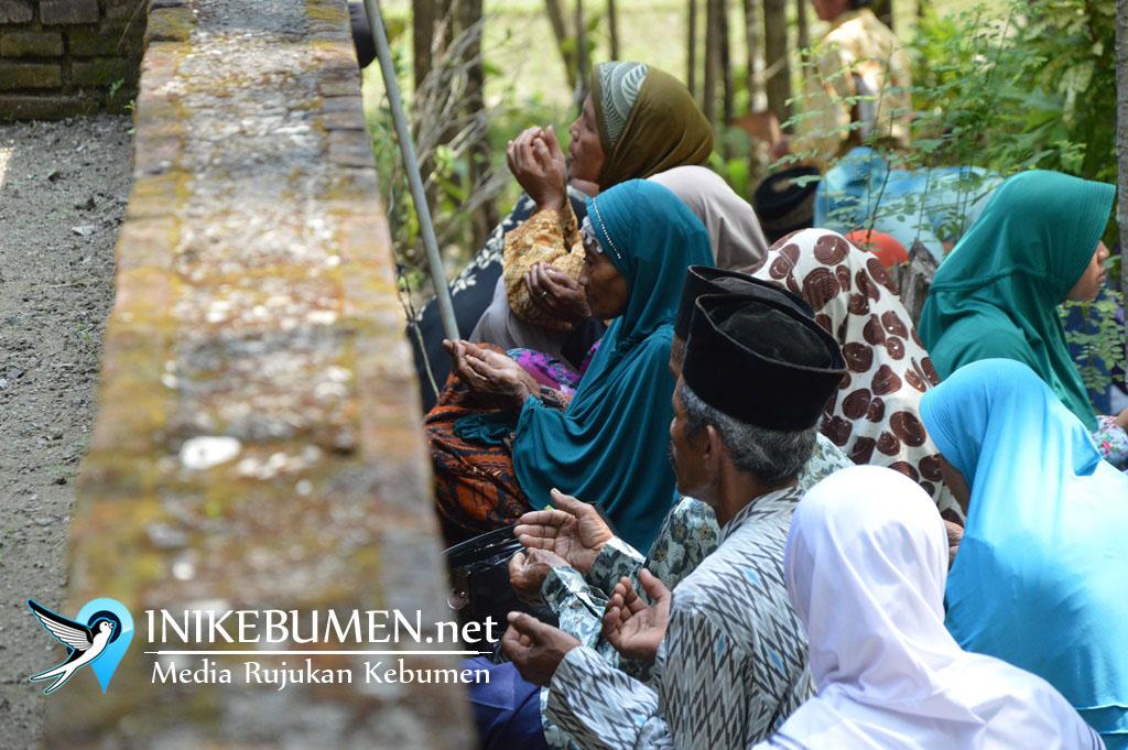Jelang Puasa, Makam Lemah Lanang Ramai Peziarah