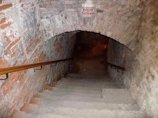 Дубно. Замок. Вход в средневековую пыточную