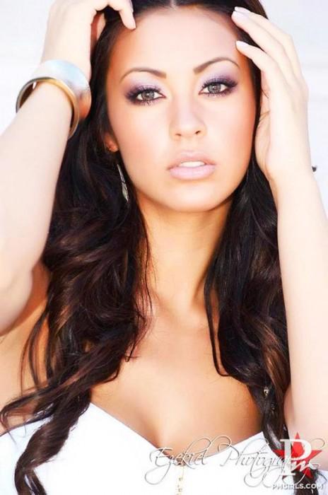 Hollywood actress uncensored hot pictures hot topics sara - Amy reid wallpaper ...
