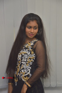 Tamil Actress Shreya Sri Stills in Black Akarkali Dress at Vanga Vanga Team Interview  0013.jpg