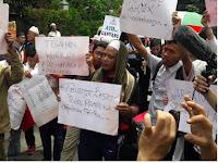 "Warga Kepulauan Seribu : ""Kami Saksi Mata Ahok Menista Qur'an"" Teriaknya Diatas Mobil Komando"