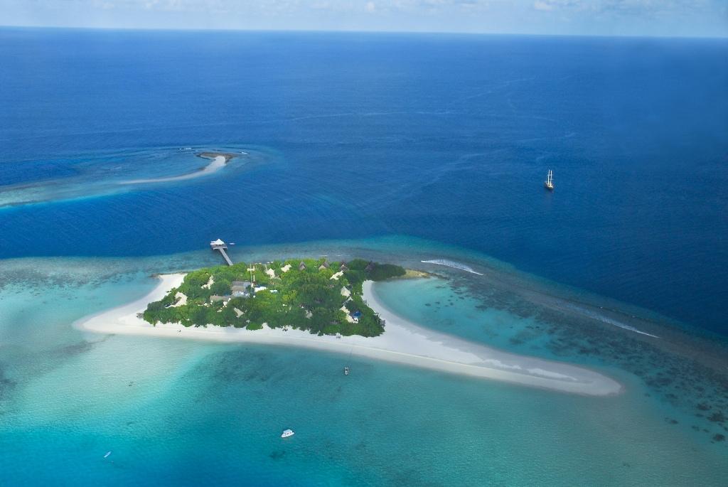 Most Beautiful Islands: Maldives - Banyan Tree Madivaru