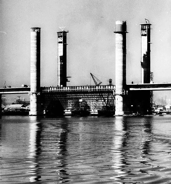 Ponte Móvel do Guaíba, em 1958
