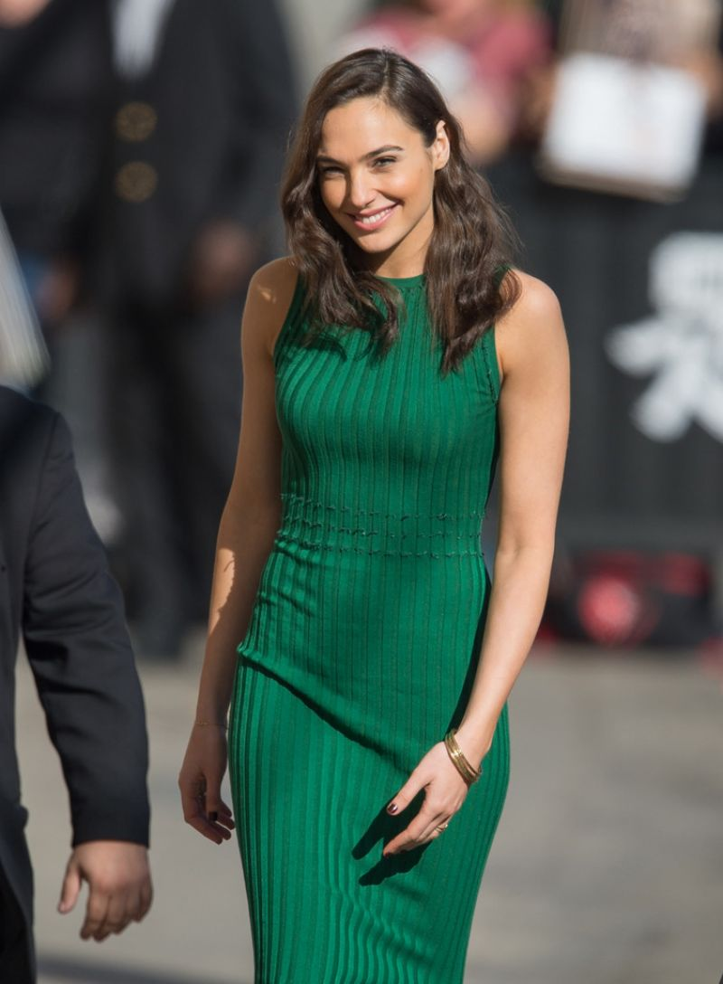 HQ Photos of Gal Gadot At Jimmy Kimmel Live In Hollywood 03 15 2016_1