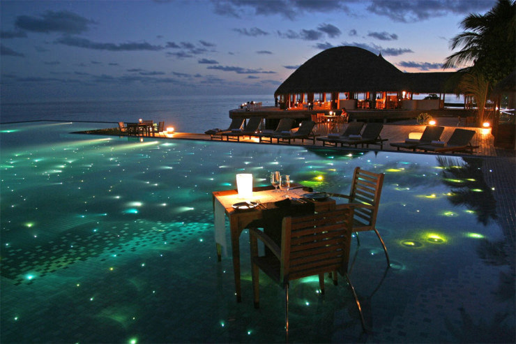29 Most Amazing Infinity Pools in Pictures - Huvafen Fushi, Maldives