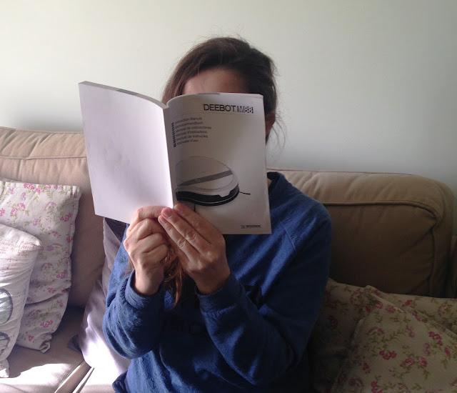 a ler o manual de instruções do Deebot