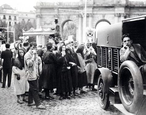 CORTEJO ENTIERRO VÍCTIMAS TEATRO NOVEDADES - Foto: Archivo ALFONSO ─1928─