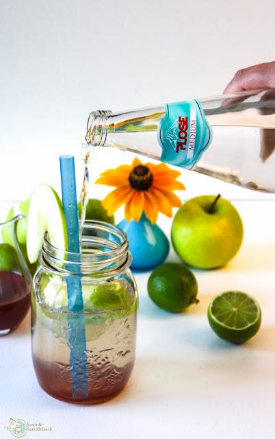 Getränk mit Apfel, Zimt und Ingwer