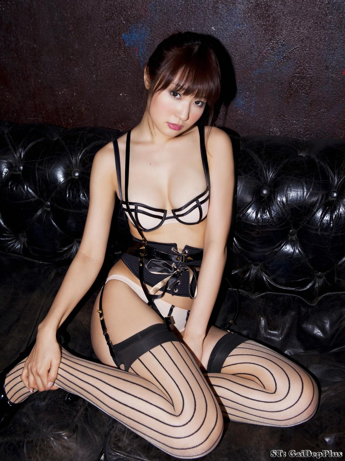 misaki nito boast stunning body with bikini
