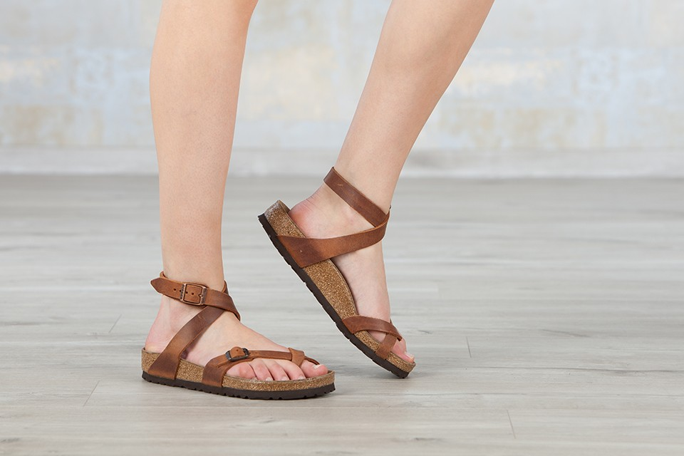 f2805b7a5f1b I want Yara s from Birkenstock in Antique Brown