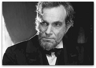 Daniel Day-Lewis como Lincoln