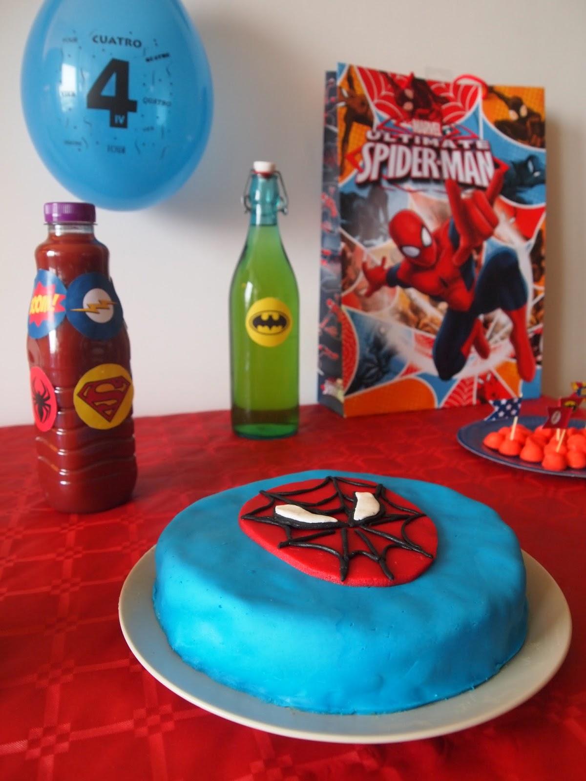 L 39 anniversaire des 4 ans sur le th me super h ros dans la peau d 39 une fille - Deco anniversaire spiderman ...