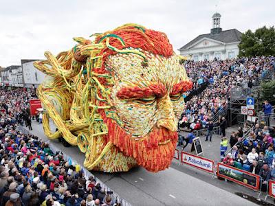 Escultura gigante de Flores