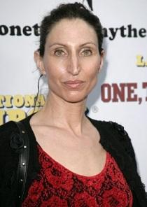 Bonnie Aarons, Pemeran Valak di Film The Conjuring 2