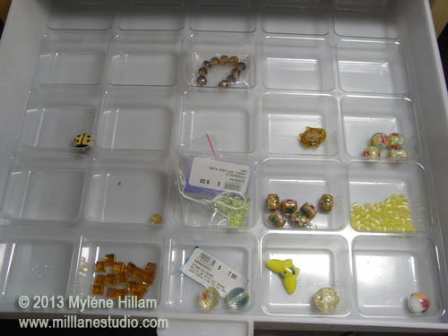 From limey yellow to mustard, to amber.... I'm on a mission to fill my yellow bead drawer with yellows in every shade.