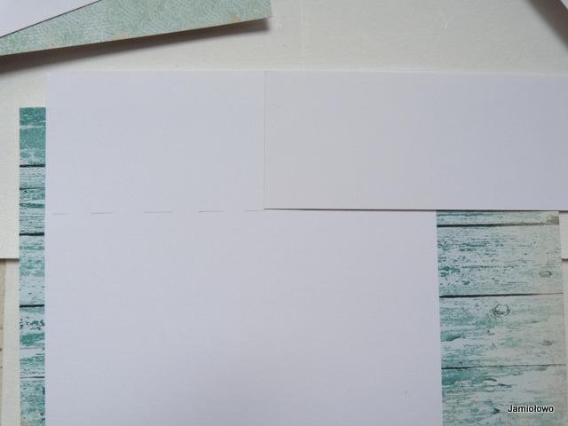 odmierzamy 5 cm wąski prostokąt z papieru
