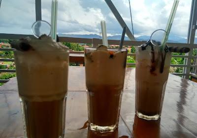 Varian Kopi Blend: Capuccinno Shakerato, Afogatto Frappe, dan Krakatoa Blend