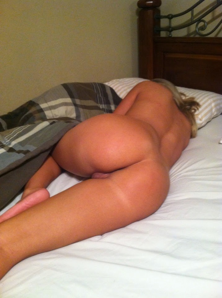 Opinion, blonde girls sleeping nude
