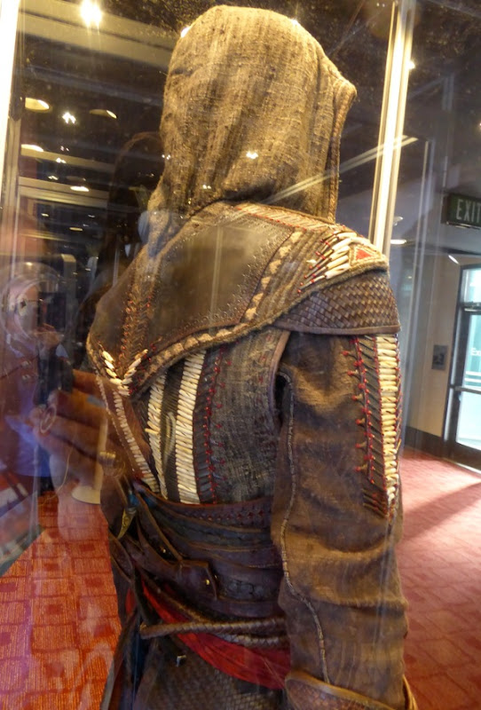 Assassins Creed Aguilar back costume detail