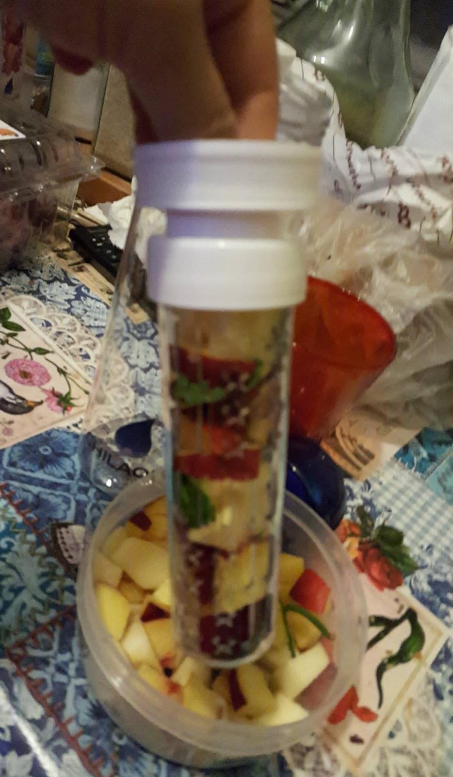 Passaparolablog chilaqua bottiglia con infusore per for Amazon oggettistica