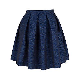 Короткая синяя расклешенная юбка