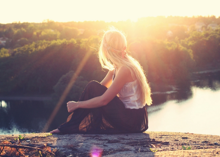 Girl overlooking a sunlit canyon with a river | Why Letting Go of Pain Doesn't Mean Letting Go of Them // WWW.THEJOYBLOG.NET